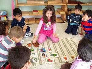 Kaban Montessori in Mississauga - Casa class working together