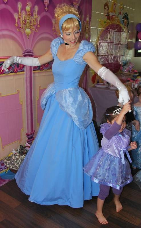 Princesses of all kinds, great with kids, let you relax at a party!