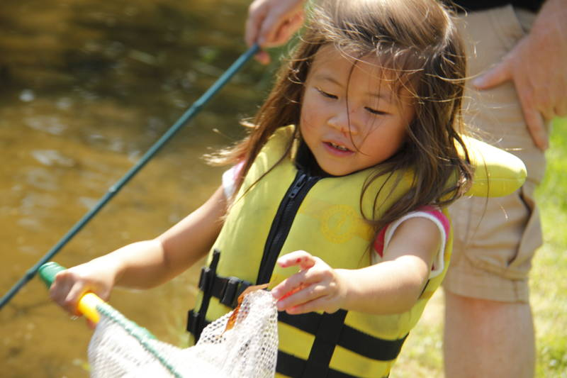 Science and Nature activities at the Canoe Pond. Camp Robin Hood is Canda's oldest and largest private day camp.